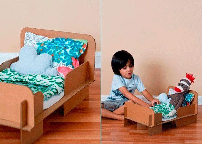 Кровать для куклы из картона